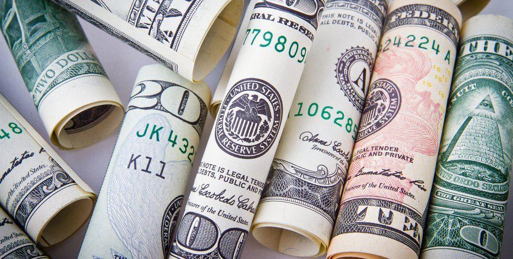 4 ATITUDINI FINANCIARE PE CARE TREBUIE SĂ LE CUNOȘTI