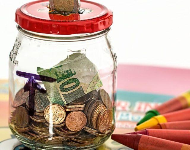 Ce să faci ca să economisești bani mai ușor